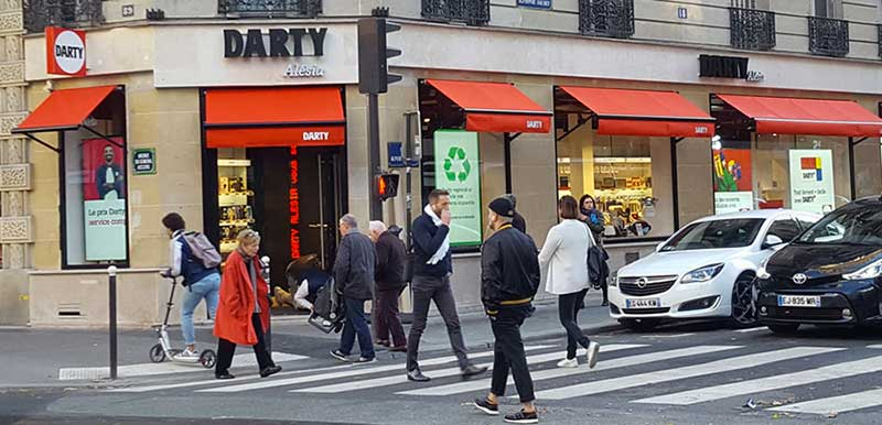 Commerce de proximité - Darty au centre de Paris